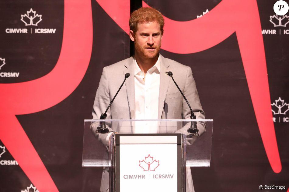 Le prince Harry intervient à la conférence CIMVHR (L'Institut canadien de recherche sur la santé des militaires et des vétérans) à Toronto le 25 septembre 2017.