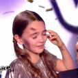 """Angelina sacrée grande gagnante de """"The Voice Kids 4"""" (TF1), samedi 30 septembre 2017. Ici avec Florent Pagny."""