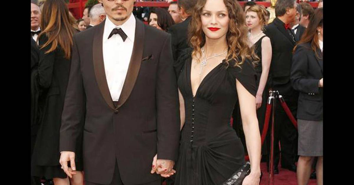 johnny depp et vanessa paradis en 2008 le couple toujours tr s discret cultive un look glam. Black Bedroom Furniture Sets. Home Design Ideas