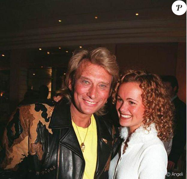 Johnny et Laeticia Hallyday en 1995. Le rocker et sa jolie fiancée se marieront l'année suivante.