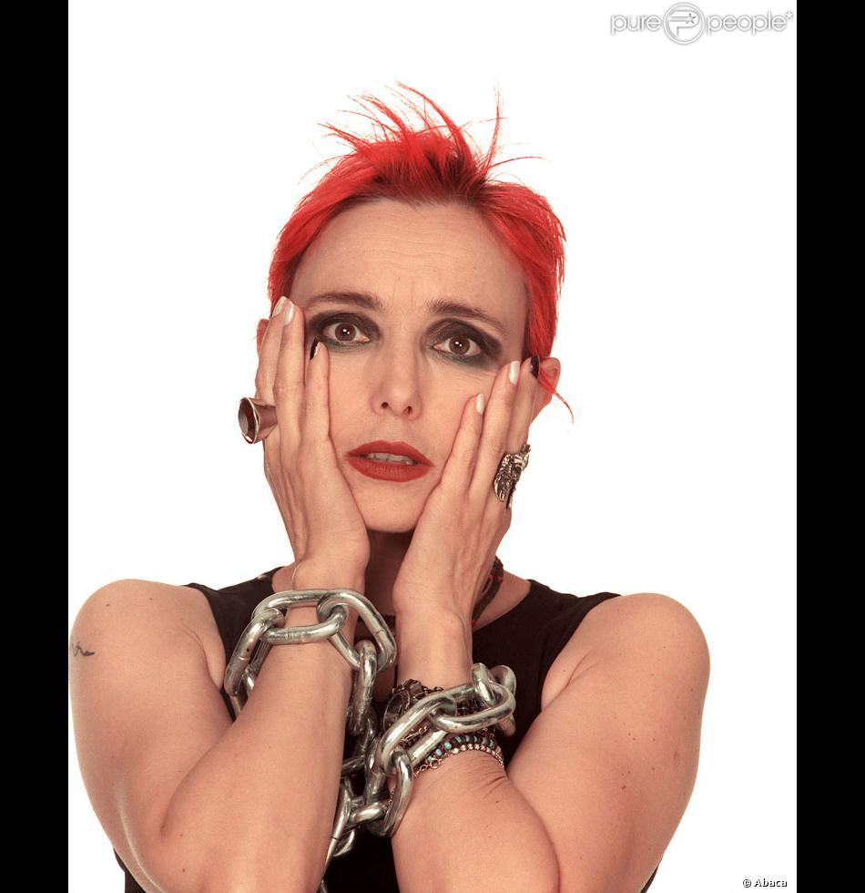 Bien connu Jeanne Mas dans les années 80 : cheveux rouge, maquillage noir  PX25