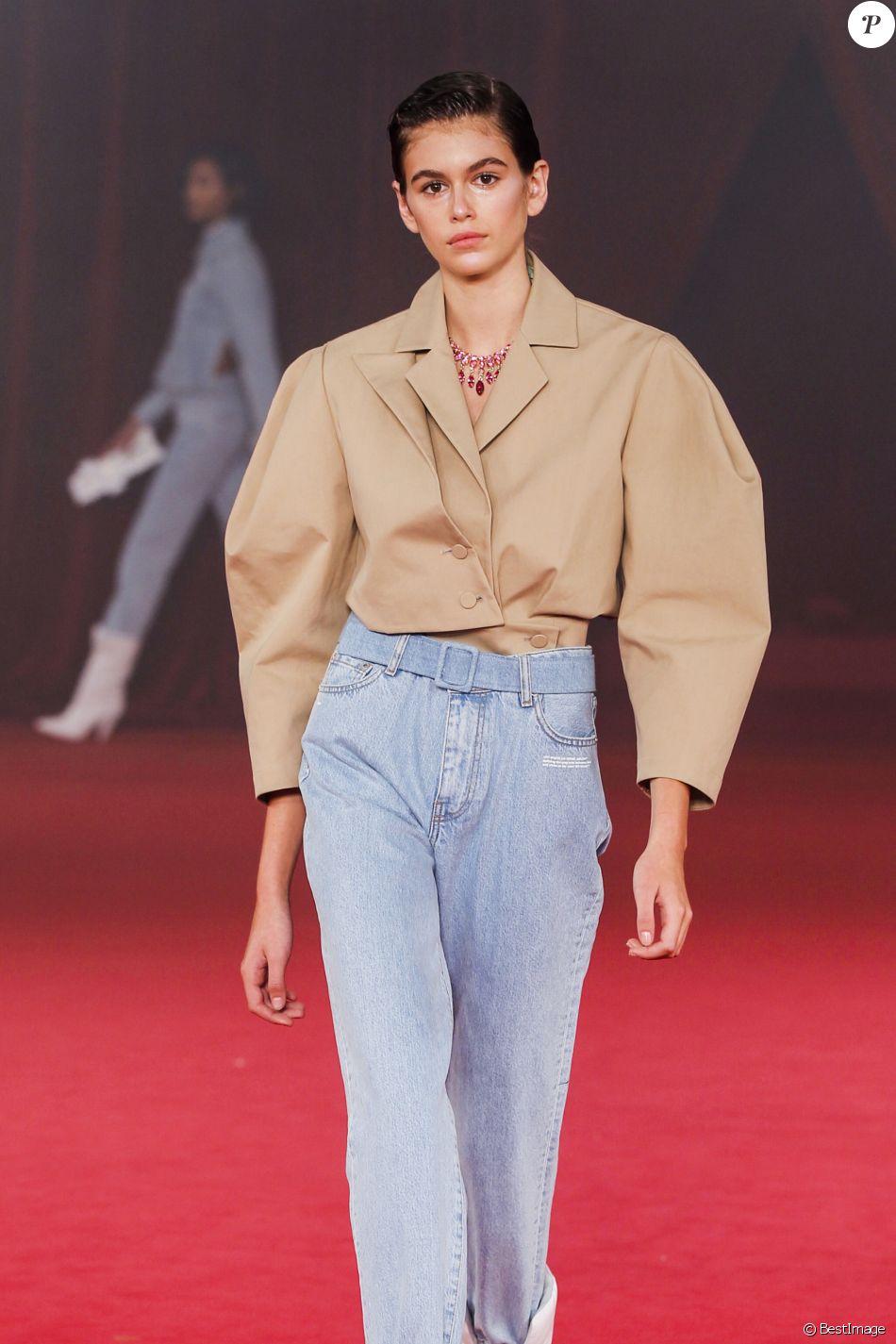Kaia Gerber , Défilé de mode Off,White™ collection prêt,à,porter  printemps,été 2018 à Paris, le 28 septembre 2017.
