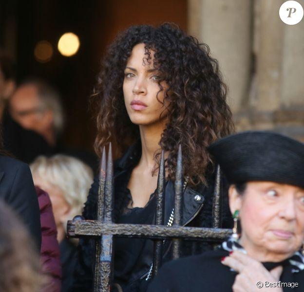 Noémie Lenoir assiste aux obsèques de Hervé Léger (né Hervé Peugnet) en l'église de Saint-Germain-des-Prés. Paris, le 13 octobre 2017.