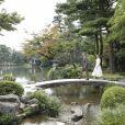 Le prince Frederik et la princesse Mary de Danemark au jardin Kenroku-en à Kanazawa lors d'un voyage officiel pour célébrer les 150 ans de relations diplomatiques entre le Danemark et le Japon, le 09 octobre 2017.
