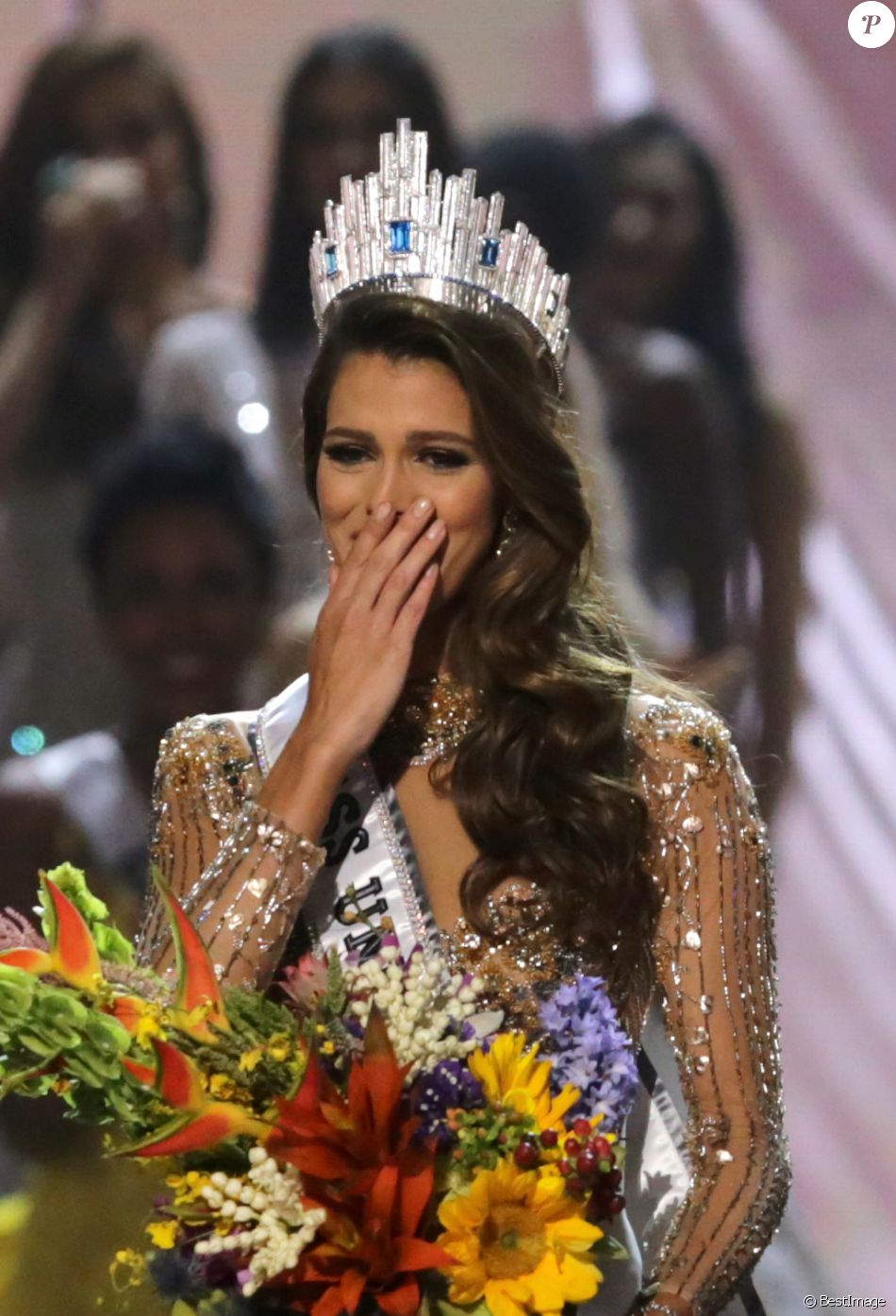 iris mittenaere miss univers 2016 rendra sa couronne. Black Bedroom Furniture Sets. Home Design Ideas