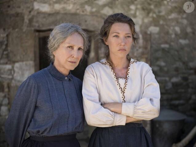 Nathalie Baye et Laura Smet dans le film Les Gardiennes