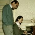 """Capture d'écran des reportages """"Jacques Chirac, l'homme qui ne voulait pas être président"""", dans le cadre de l'émission de Laurent Delahousse, puis """"Bernadette Chirac, mémoires d'une femme libre"""", diffusés sur France 2, le 16 ocobre 2016. Jacques et sa fille Laurence."""