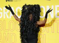 Grace Jones : L'icône fait le show avec un look improbable
