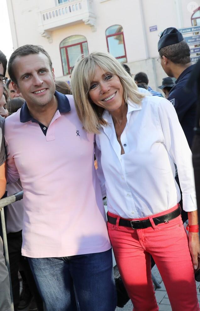 Le président de la République française Emmanuel Macron et sa femme, la  première dame Brigitte