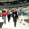 Exclusif - Johnny Hallyday et Jean-Claude Camus au Stade de France en 1998