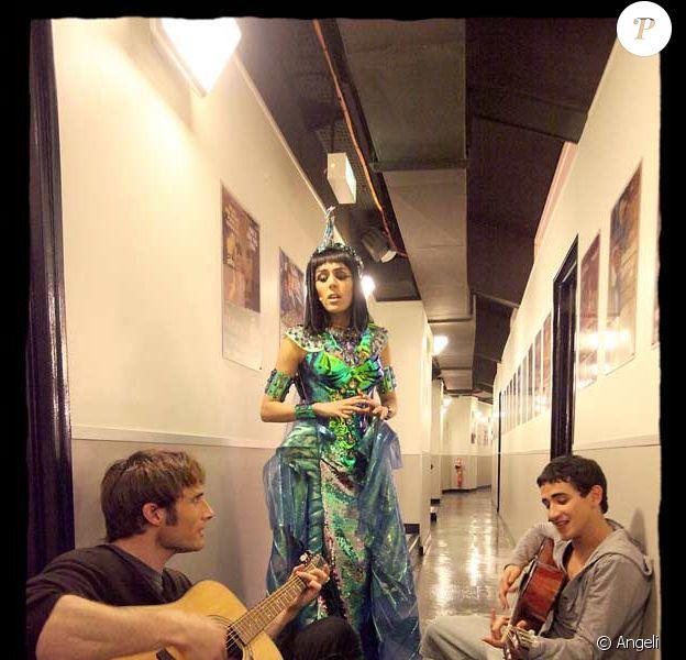 EXCLU Christopher Stills, Sofia Essaïdi et Mehdi Kerkouche dans les backstage de Cléôpatre