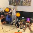 Jamel Debbouze publie une photo d'enfants déguisés pour Halloween, dont ses enfants Léon et Lila font partie.