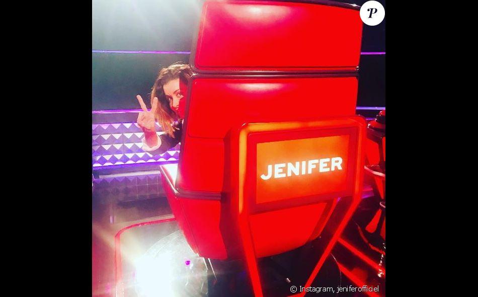 Jenifer sur le tournage de la cinquième saison de The Voice kids. Octobre 2017.