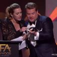 Kate Winslet et James Corden lors des Hollywood Film Awards à Los Angeles, le 5 novembre 2017.