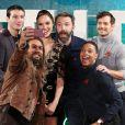 """Jason Momoa, Gal Gadot, Henry Cavill, Ezra Miller, Ray Fisher et Ben Affleck - Première du film """"Justice League"""" à Londres le 4 novembre 2017."""