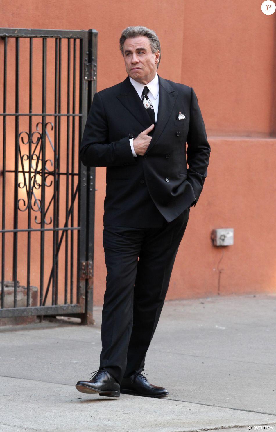 """John Travolta sur le tournage de """"The Life and Death of John Gotti"""" à New York, le 22 février 2017. © CPA/Bestimage"""