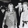 Catherine Deneuve, Jacques Demy et Françoise Dorléac lors de l'avant-première du film Les Demoiselles de Rochefort en 1967 à Paris