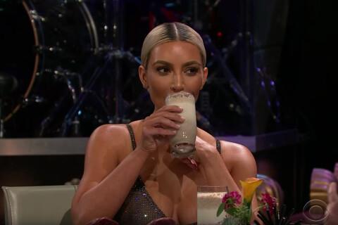 Kim Kardashian : Pour couvrir ses soeurs enceintes, elle avale un jus infecte