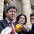 Jean-Luc Melenchon et son avocate Raquel Garrido devant la cour de Paris le 21 juin 2012