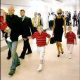David, Victoria Beckham et leurs trois garçons Cruz, Brooklyn et Romeo se rendent à Los Angeles. Juillet 2007.