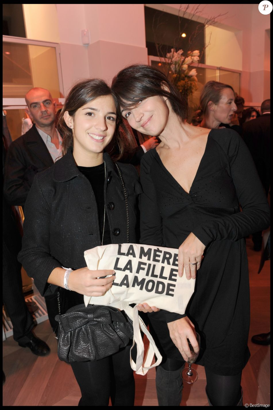 Zabou breitman et sa fille anna inauguration de la boutique comptoir des cotonniers paris en - Comptoirs des cotonniers paris ...