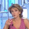 """Anne Nivat pousse deux coups de gueule dans """"Salut les Terriens !"""" sur C8. Le 7 octobre 2017."""