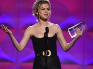 """Selena Gomez sacrée et en larmes aux Billboard : """"Mon amie m'a sauvé la vie"""""""