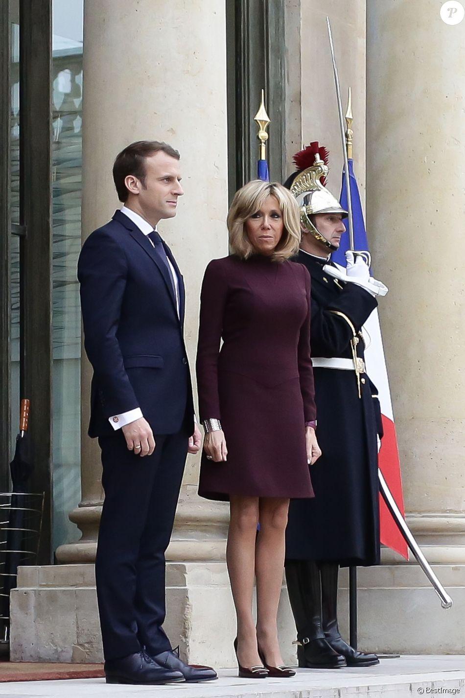 Emmanuel Macron et sa femme Brigitte Macron à Paris, le 18 novembre 2017. © Stéphane Lemouton/Bestimage