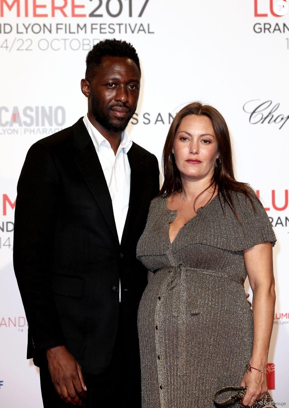 Thomas Ngijol et sa compagne Karole Rocher, enceinte - Tapis rouge de la  cérémonie d