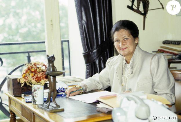 Simone Veil chez elle, le 15 octobre 1985.