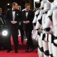 Le prince William, duc de Cambridge et le prince Harry à la premiere de Star Wars, épisode VIII : Les Derniers Jedi au Royal Albert Hall à Londres, le 12 décembre 2017