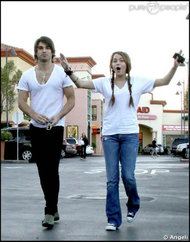 Justin Gaston et Miley Cyrus