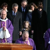 Obsèques de Dadue Sarkozy : Nicolas soutenu par Carla, Giulia et ses fils