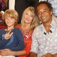 """Isabelle Camus avec Yannick Noah et leur fils Joalukas - Enregistrement de l'émission """"Vivement Dimanche"""" à Paris le 11 juin 2014."""