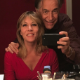 Mathilde Seigner et Richard Berry dans les loges du Théâtre de Paris, le 29 septembre 2017.