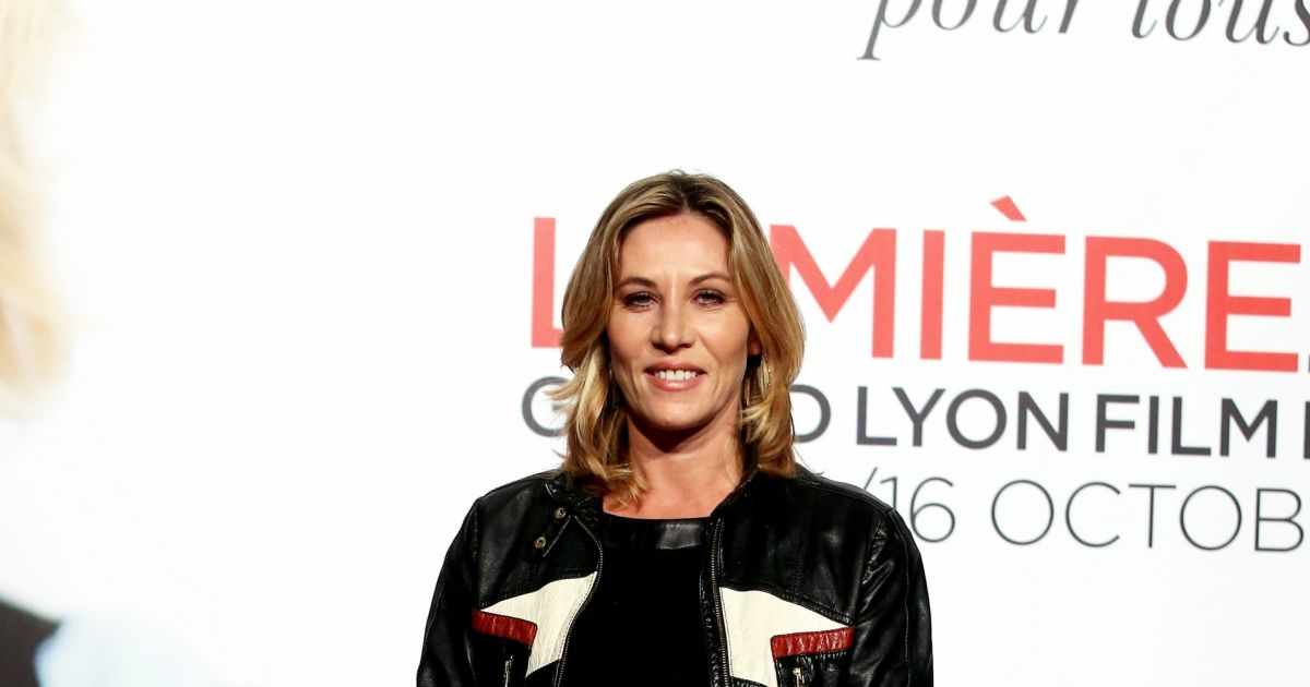 mathilde seigner au photocall de la c r monie d 39 ouverture du 8 me festival lumi re de lyon le 8. Black Bedroom Furniture Sets. Home Design Ideas