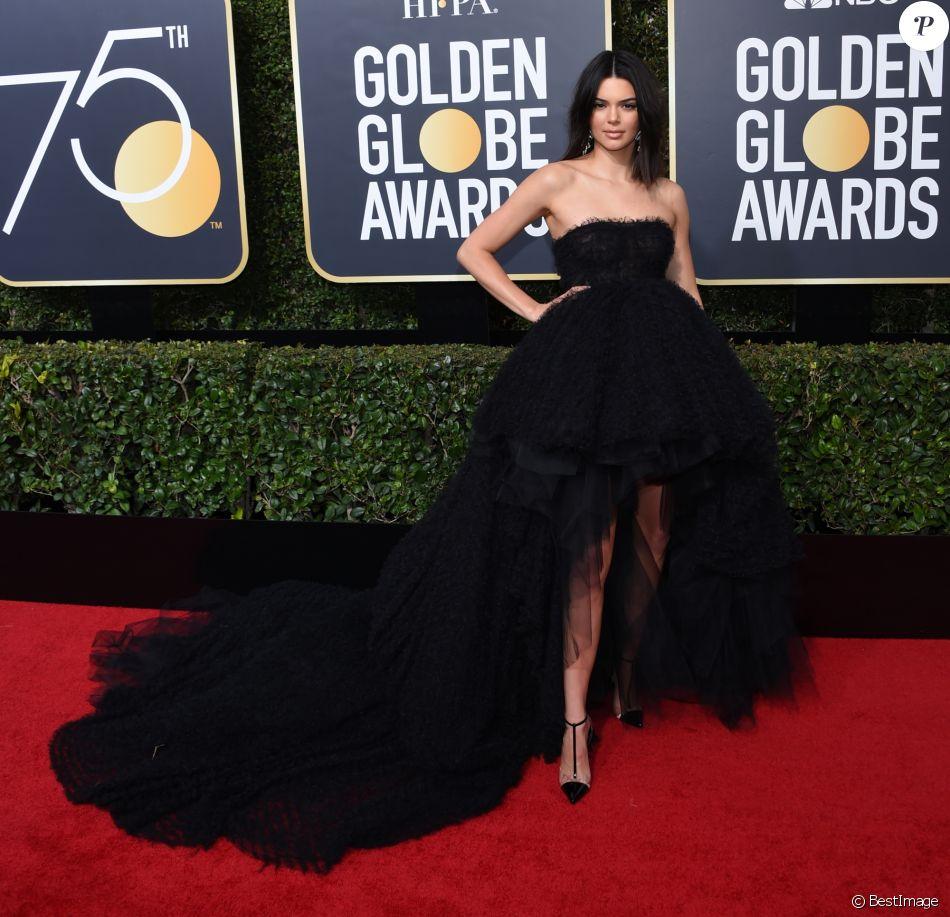 Kendall Jenner Habillee D Une Robe Haute Couture Giambattista Valli