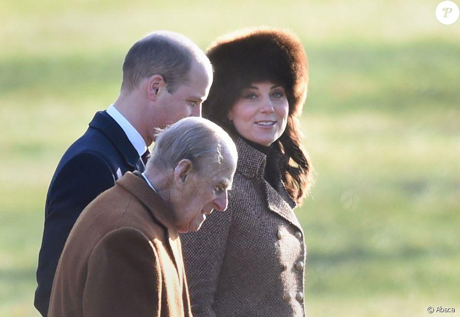 La duchesse Catherine de Cambridge et le prince William avec le duc d'Edimbourg à Sandringham le 7 janvier 2018, de sortie pour la messe en l'église Sainte Marie Madeleine. © Joe Giddens/PA Wire/Abacapress.com