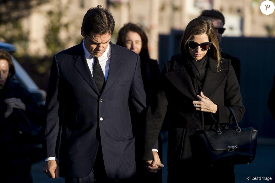 Louis de Bourbon, duc d'Anjou, et sa femme María Margarita Vargas le 30 décembre 2017 lors de l'incinération à Madrid de Carmen Franco, fille unique du général Franco et grand-mère de Louis, au lendemain de sa mort à l'âge de 91 ans.