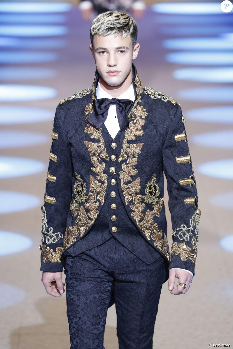 9ee1671b Le vidéaste Cameron Dallas - Défilé Dolce & Gabbana lors de la Fashion Week  à Milan, Italie, le 13 janvier 2018.