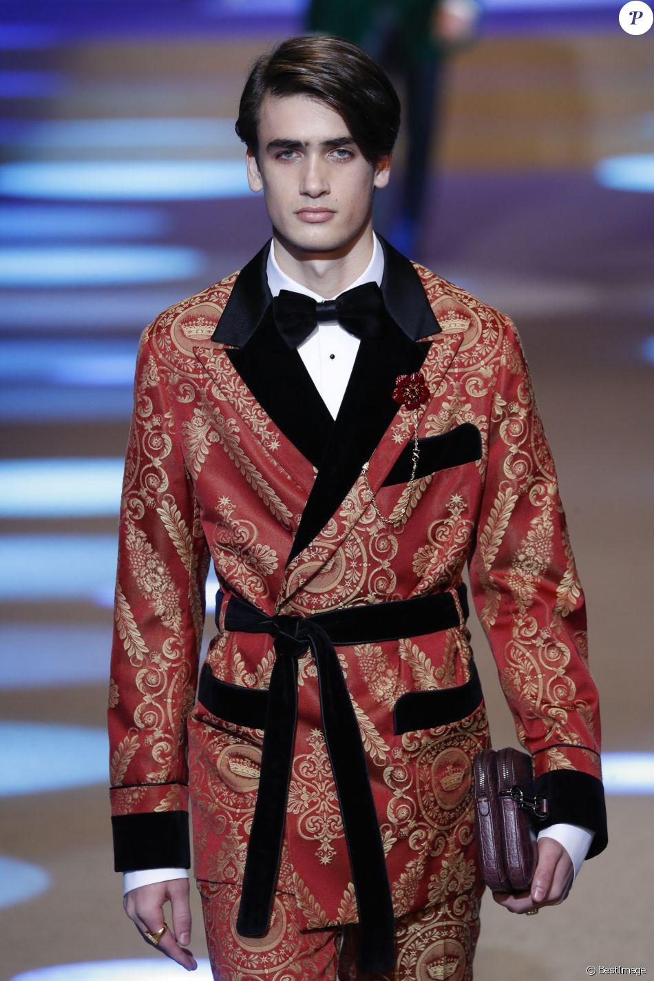 5798b8ce Chase Hill (frère du mannequin Taylor Hill) - Défilé Dolce & Gabbana lors  de la Fashion Week à Milan, Italie, le 13 janvier 2018.