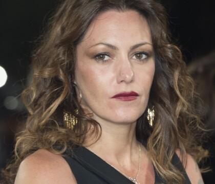 """Karole Rocher se met à nu pour """"le droit à ne pas être importunée"""""""