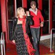 Exclusif - Enrique Iglesias et Anna Kournikova à la sortie d'un restaurant de Miami le 10 janvier 2010.