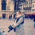 Charlotte Gaccio en balade avec ses jumeaux Zoé et Roméo à Paris. Instagram, le 13 janvier 2018.