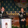 Le prince Albert II de Monaco et Richard Marangoni, directeur de la sûreté publique de Monaco, durant la traditionnelle cérémonie des voeux de la Sureté Publique de Monaco le 16 janvier 2018. © Bruno Bebert / Bestimage