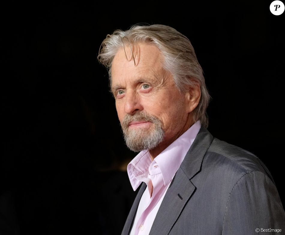 Michael Douglas à la première de 'Flatliners' à l'hôtel Ace à Los Angeles, le 27 septembre 2017  People at the premiere of 'Flatliners' held at the Theatre at Ace hotel. September 27, 201727/09/2017 - Los Angeles