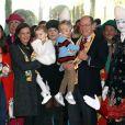 Le prince Albert II de Monaco avait amené ses enfants le prince héréditaire Jacques et la princesse Gabriella, aux côtés de la princesse Stéphanie et ses filles Pauline Ducruet et Camille Gottlieb, à la représentation du 21 janvier 2018 du 42e Festival International du Cirque de Monte-Carlo, sous le chapiteau de Fontvieille. © Olivier Huitel / Pool Monaco / Bestimage