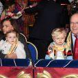 Le prince Albert II de Monaco avait amené ses enfants le prince héréditaire Jacques et la princesse Gabriella, sur les genoux de la princesse Stéphanie, à la représentation du 21 janvier 2018 du 42e Festival International du Cirque de Monte-Carlo, sous le chapiteau de Fontvieille. © Olivier Huitel / Pool Monaco / Bestimage