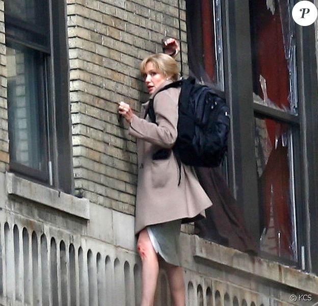 "Angelina Jolie, sur le tournage de ""Salt"", de Phillip Noyce, en mars 2009, à Washington !"