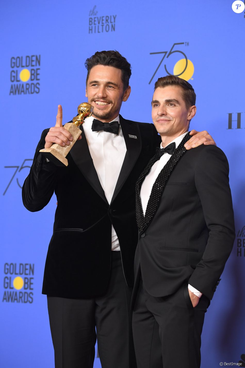 "Dave Franco et son frère James Franco (Golden Globe du meilleur acteur dans un film musical ou une comédie pour ""The Disaster Artist"") - 75e cérémonie annuelle des Golden Globe Awards au Beverly Hilton Hotel à Los Angeles, le 7 janvier 2018. © Chris Delmas/Bestimage"